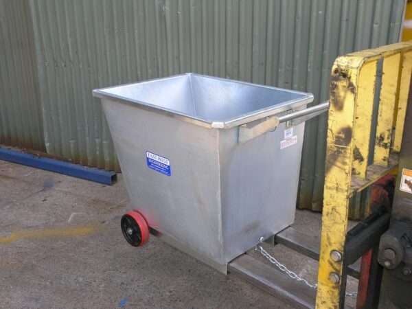 tipping bin upright forklift attachment